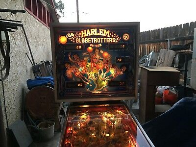 Harlem Globetrotters 1979 Bally Pinball Machine - lights up makes noise sold as
