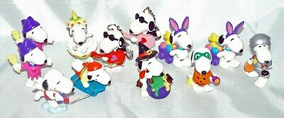 Mixed Lot of 12 Vintage PVC Snoopy Figures - Halloween / Easter / Keyrings +++