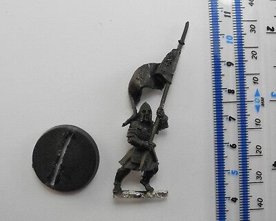 WARRIORS OF MINAS TIRITH STANDARD BANNER BEARER Metal Lord of the Rings Good 4