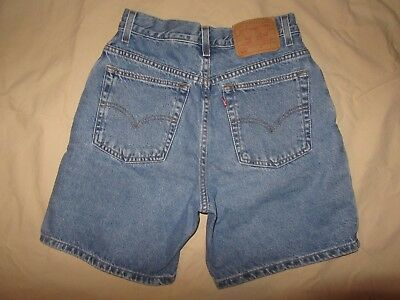 VGC Women's Vintage Levis 550 Relaxed Fit Blue Jean Shorts / W=28 / Ins=7 / R=12
