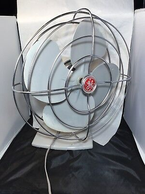 Vintage 1950's GE General Electric Oscillating Gray Grey Desk Fan F14S125