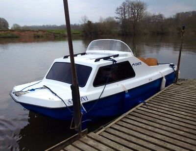 Cabin Cruiser 16ft. River Canal with outboard and trailer