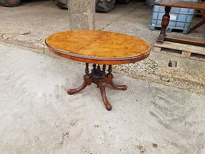 Victorian Walnut Oval Loo table