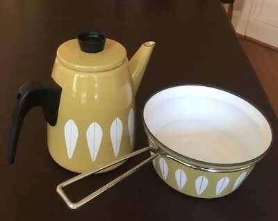 Lot of 2 Vintage CATHRINEHOLM Enamelware of Norway kettle and 7 inch sauce pan