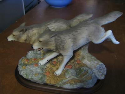 Homco Home Interiors Masterpiece Porcelain Endangered Species Gray Wolves 1999
