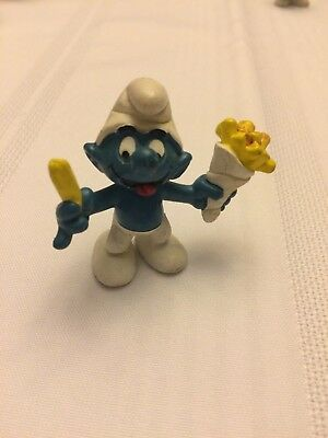 VINTAGE SMURF WITH FRENCH FRIES shipping is for up to 10 smurfs