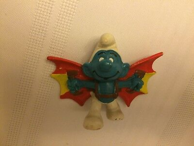 VINTAGE SMURF HAND GLIDER shipping is for up to 10 smurfs