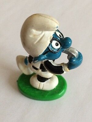 VINTAGE SMURF FOOTBALL REFEREE shipping is for up to 10 smurfs