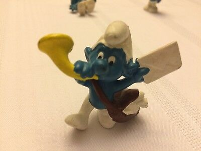 VINTAGE SMURF POSTMAN shipping is for up to 10 smurfs