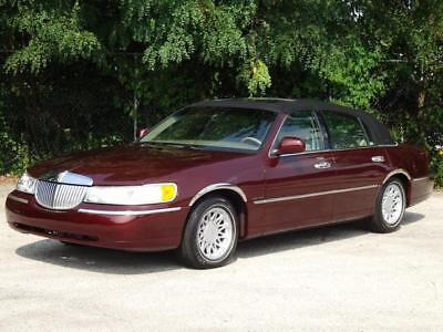 2000 Lincoln Town Car Signature SOFT TOP! SUNROOF! LOADED! 97K Mls!