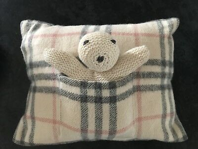 Burberry Baby Cushion 100% Cashmere With Pocket Containing A Knitted Teddy