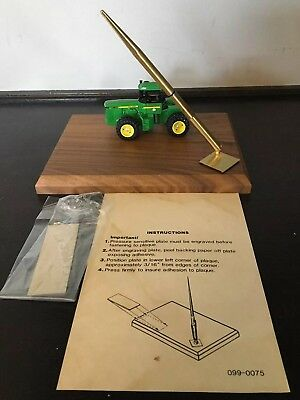 Rare Vintage 1:64 John Deere 8850 Wood Desk Plaque With Pen & Engraving Plate