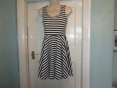 Sze S (10) BNWT  Black & White striped print dress by GLAMOUR BABE