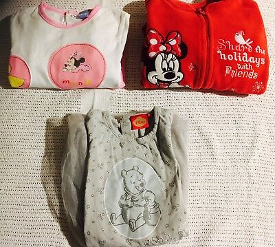 Lot de 3 vêtements fille Disney Minnie Winnie l'ourson 23 / 24 mois Robe Pyjamas