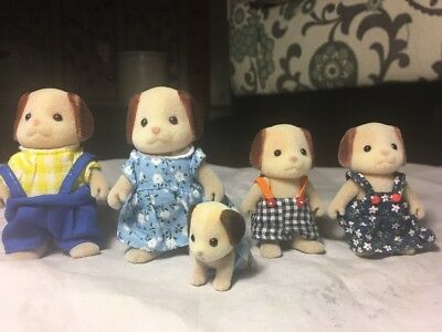 Calico Critters/Sylvanian families Beagle Dog family of 5 Including Baby EUC
