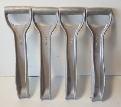Lot 4 Kraft Combination Aluminum Drywall Lifter and Carrying Tool ‑ DC170