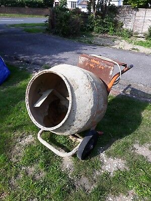 Belle Minimix 150 cement mixer 110v. Complete with stand