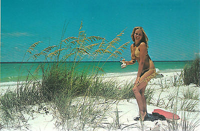 Gulf Shores Alabama   Girl on The Beach Gets Sand In Shoes      Unused  Postcard