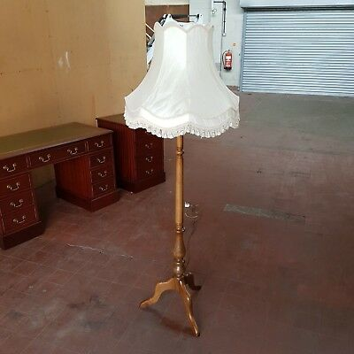 Ercol Furniture Standard Lamp Lounge/parlour Lamp Golden Dawn Quite Rare