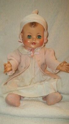 "Vtg 20"" Madame Alexander Kathy doll Beautiful condition d/w squeaks loudly!"