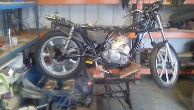 Kawasaki kh250 project ,classic two stroke, not lc/gt