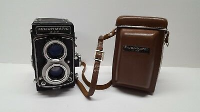 Vintage Ricohmatic 225 TLR Camera w/ Original Case Tested & Cleaned Good Cond.