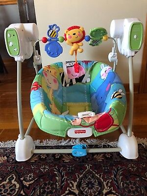 Fisher-Price Baby Swing Chair, calming vibrations
