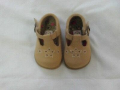Kid Connection Size 4 Baby Girl Dress Shoes Beige Color Size 1