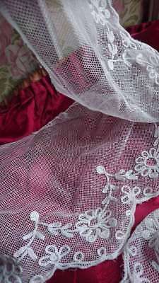 5 Metres BEAUTIFUL ANTIQUE FRENCH EMBROIDERED FINE TULLE BORDER LACE c1900