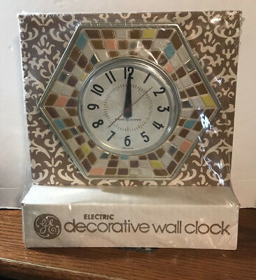 Vintage GE GENERAL ELECTRIC Wall Clock Model 2118 a Faux Mosaic Tile Design USA