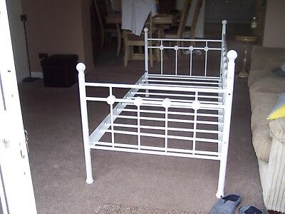 Daybed sofa single bed 3 ft white, good condition