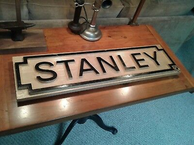 """Stanley Tools Wood Sign 30"""" x 8"""" x 1 1/2"""" Notched Rectangle Solid Maple Sturdy"""