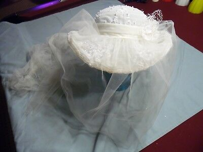 Vintage Womans Ladies White Wedding Church Party Picnic Hat With Veil & Train
