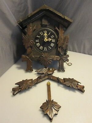 Vintage Doddo German- Inspired Wooden Cuckoo Clock