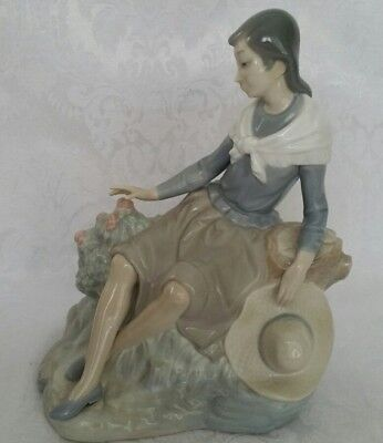 Nao By Lladro Resting At The Rose Bush  Porcelain Figurine Made In Spain Retired