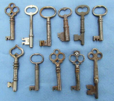 Lot of 11 vintage antique skeleton keys Victorian Era