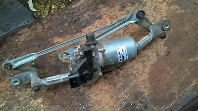 2003-2010 FIAT PUNTO front window wiper motor and linkages