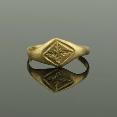 Ancient Medieval Gold Ring With Cross Decoration- Circa 13Th Century Ad  023