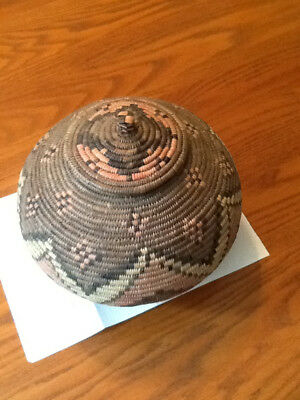 Zulu basket with lid in mint condition