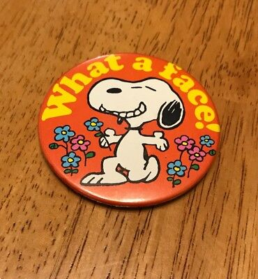 """Vintage Peanuts Snoopy Pocket Mirror """"What A Face"""" 1958"""