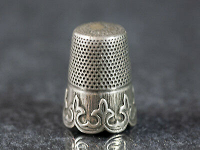 Vintage 925 Sterling Silver Thimble with Ornate Scalloped Rim