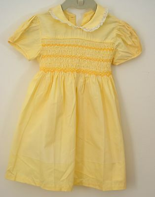 Beautiful Vintage Girls Yellow Dress With Smocking Tt12