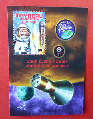 2013 St VINCENT JOHN GLENN SPACE MAYREAU STAMP MINI SHEET