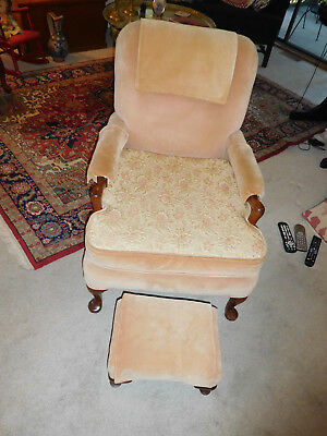 Beautiful Rose/Peace Antique Victorian Style Chair with Ottaman