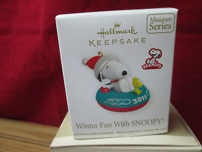 Hallmark Keepsake Winter Fun With Snoopy Peanuts Mini Ornament 2011 #14 NEW
