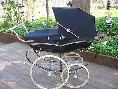 Beautiful Silver Cross Pram. 'Wilson Mulliner' model. Vintage Baby Carriage.