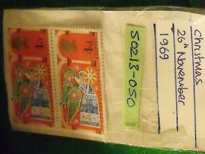 50 year old stamps-GB 1969 CHRISTMAS 26 NOVEMBER 1969 2X 4d UNFRANKED STAMPS
