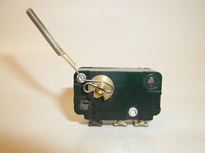 Cherry E53 Rotary Micro Limit Switch, Lever Actuator Low Torque, NO NC 35-000-1