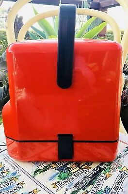 VINTAGE COLLECTABLE DECOR WINE CASK HOLDER/COOLER/DISPENSER RETRO RED 1980s