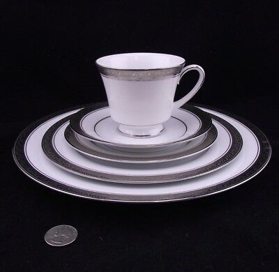 Noritake Legendary Crestwood Platinum 5 Piece Place Setting 4166 2 Of 8